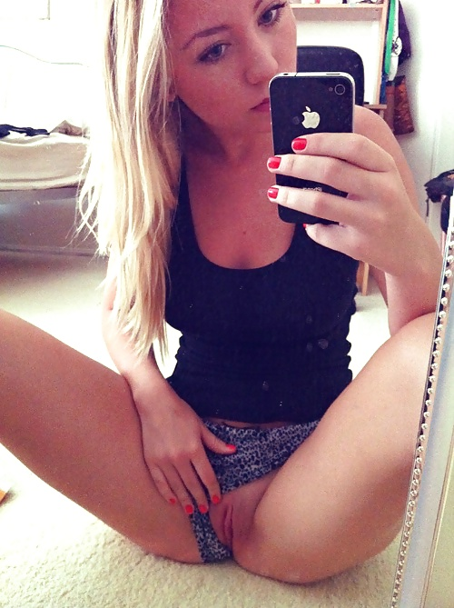 teen girls nude selfies